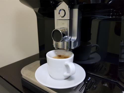 Ekspres kawowy w sali konferenycnej